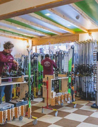 meribel_ski_shop
